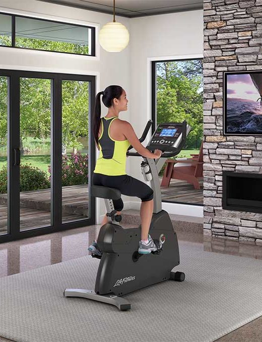 Life-Fitness-C1-Upright-Bike-Go-Console-1